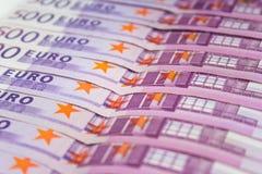 Pilha de dinheiro do dinheiro - 500 euro- contas macro Fotografia de Stock Royalty Free