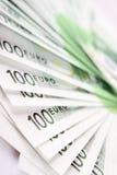 Pilha de 100 euro- contas Imagens de Stock