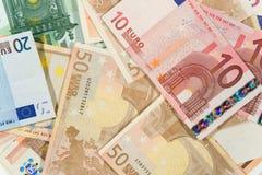 Pilha de euro- contas fotografia de stock