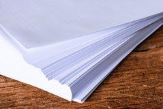 Pilha de folha do Livro Branco do tamanho a4 Imagens de Stock Royalty Free