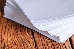 Pilha de folha do Livro Branco do tamanho a4 Fotografia de Stock