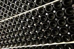 Pilha de frascos de vinho fotos de stock royalty free