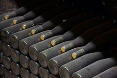 Pilha de frascos de vinho Fotos de Stock