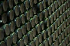 Pilha de frascos de vinho Fotografia de Stock Royalty Free