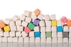 pilha de gizes coloridos, de educação ou de conceito do negócio Imagens de Stock