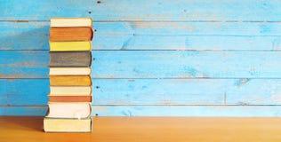 Pilha de livros, espaço da cópia gratuita imagem de stock