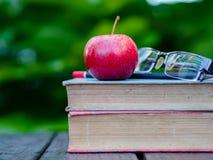 Pilha de livros, lápis, Fotografia de Stock