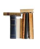 Pilha de livros velhos com o isolado dos endereços da Internet da nota de banco Fotos de Stock Royalty Free