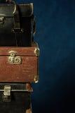 Pilha de malas de viagem velhas Foto de Stock