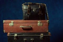 Pilha de malas de viagem velhas Fotos de Stock
