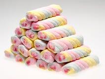 Pilha de marshmallow colorido da torção Imagem de Stock