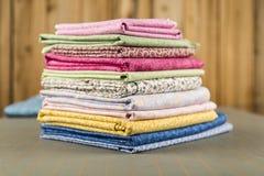 Pilha de material da cópia de algodão da edredão Foto de Stock