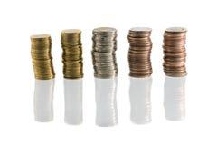 Pilha de moeda no fundo isolado fotografia de stock