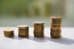 Pilha de moedas, zloty polonês fotos de stock