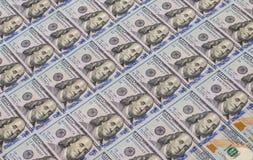 Pilha de $100 notas de dólar Foto de Stock