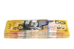 Pilha de notas de dólar australianas do dinheiro cinqüênta isoladas fotografia de stock royalty free