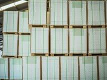 Pilha de papel na fábrica Fotos de Stock Royalty Free