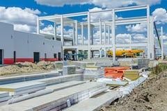 A pilha de paredes compostas do painel da isolação é empilhada na construção Fotografia de Stock Royalty Free
