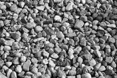Pilha de pedras do cascalho em preto e branco Imagens de Stock Royalty Free