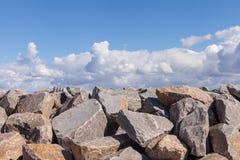 Pilha de pedregulhos das rochas para a construção Imagem de Stock Royalty Free