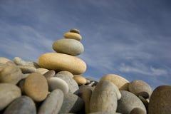 Pilha de peebles redondos - conceito do zen e dos termas Foto de Stock Royalty Free
