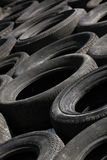 Pilha de pneumáticos rejeitados (2) Fotografia de Stock