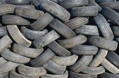 Pilha de pneus. Foto de Stock
