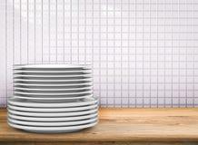 Pilha de pratos fotos de stock