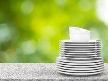 Pilha de pratos imagem de stock
