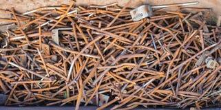 Pilha de pregos oxidados Fotos de Stock Royalty Free