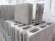 Pilha de tijolo do bloco Fotos de Stock Royalty Free