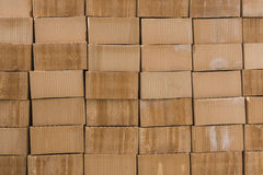 Pilha de tijolos alaranjados Fotografia de Stock Royalty Free