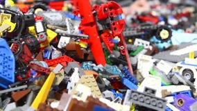 Pilha de tijolos plásticos da construção filme