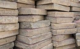 Pilha de tijolos usados velhos Foto de Stock