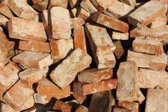Pilha de tijolos velhos fotografia de stock