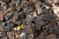 Pilha de tijolos velhos Fotos de Stock