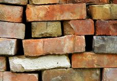 Pilha de tijolos velhos diferentes Imagem de Stock Royalty Free