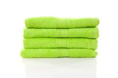 Pilha de toalhas do verde de cal Imagem de Stock Royalty Free