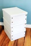 Pilha de três caixas brancas fotos de stock