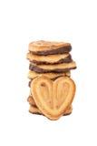 Pilha do coração dado forma cookies dos pedaços de chocolate Fotografia de Stock Royalty Free