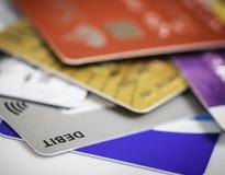 Pilha do débito dos cartões de crédito, do empréstimo ou do conceito da compra Fotos de Stock