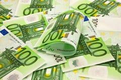 Pilha do euro do dinheiro 100 Fotografia de Stock