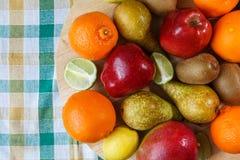 Pilha do fruto fresco imagem de stock