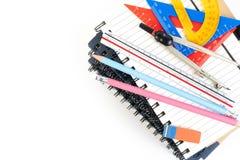 A pilha do livro, classe da educação da matemática do escritório com matemática fornece divisores da mola, ajusta o quadrado, o l foto de stock royalty free