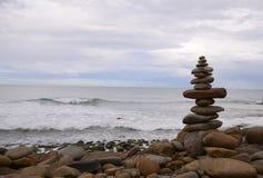 Pilha do seixo da costa de mar na praia em Victoria Australia Imagem de Stock Royalty Free