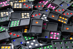 Pilha dos dominós coloridos Fotografia de Stock Royalty Free