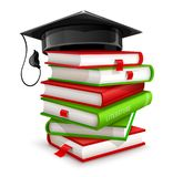 Pilha grande dos livros e do tampão da graduação Imagens de Stock Royalty Free