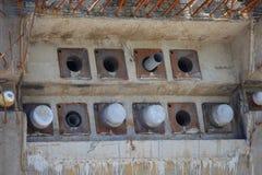 Pilhas concretas em uma área da construção Fotos de Stock Royalty Free
