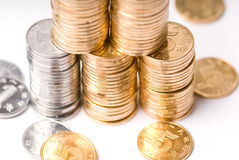 Pilhas crescentes de moedas imagens de stock