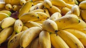 Pilhas da banana para a venda Imagem de Stock Royalty Free